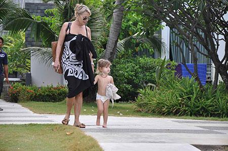 famiglia con bambini alle Maldive