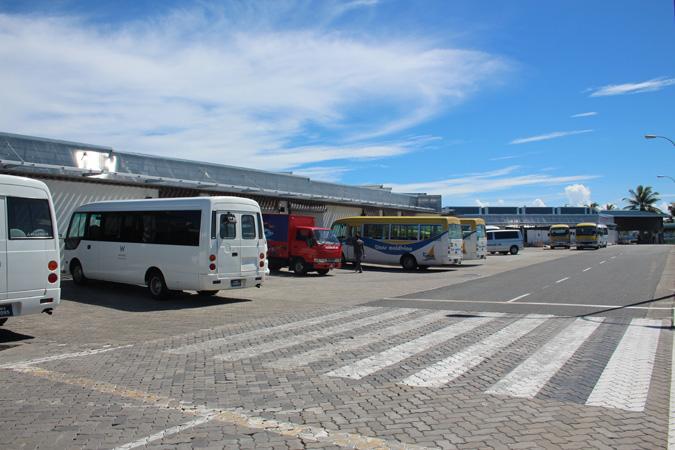 Arrivi esterno aeroporto Velana Maldive
