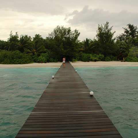 tempo alle Maldive coperto