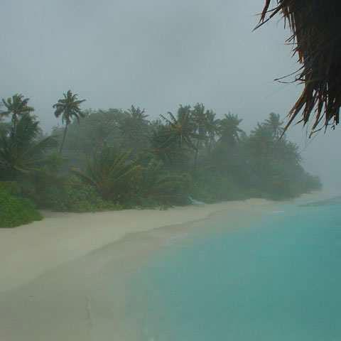 tempo alle Maldive pioggia